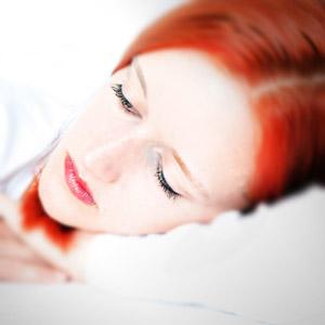 women in bed longer than men but sleep less